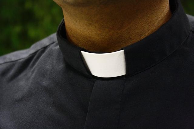 Camisa de sacerdote